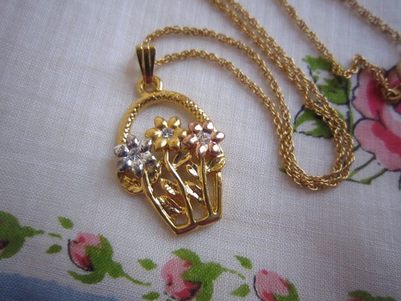 SALE 1/2 OFF Sweet Basket Flowers Necklace Was 8.50 Now 4.25