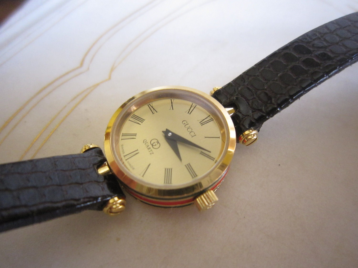 Sale Authentic Vintage Gucci Watch Was on Add Numbers And Color Picture