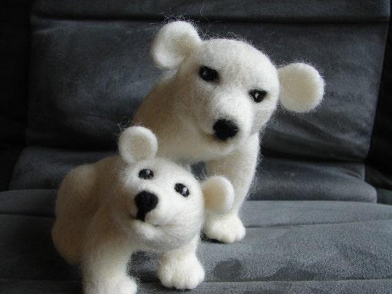 Hand made Polar bear family, needle felted solid wool polar bear mother and cub,