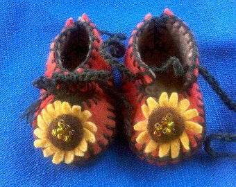 Waldorf Summer Sunflower Baby Slippers,Hand Dyed Wool Felt Baby Shoes,Summer Baby Gift Baby Slippers,All Natural Baby Gift,Made to Order