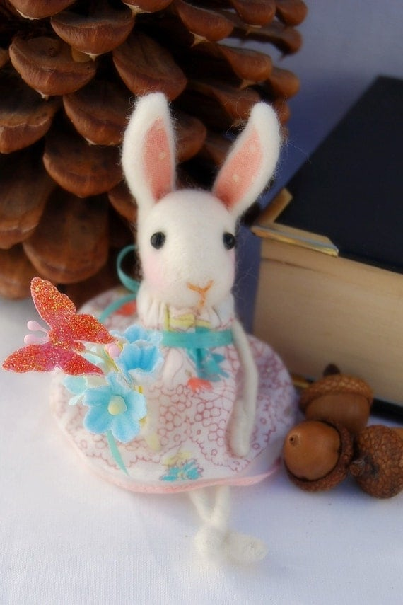 Needle Felted Spring Bunny. Ready to Ship.