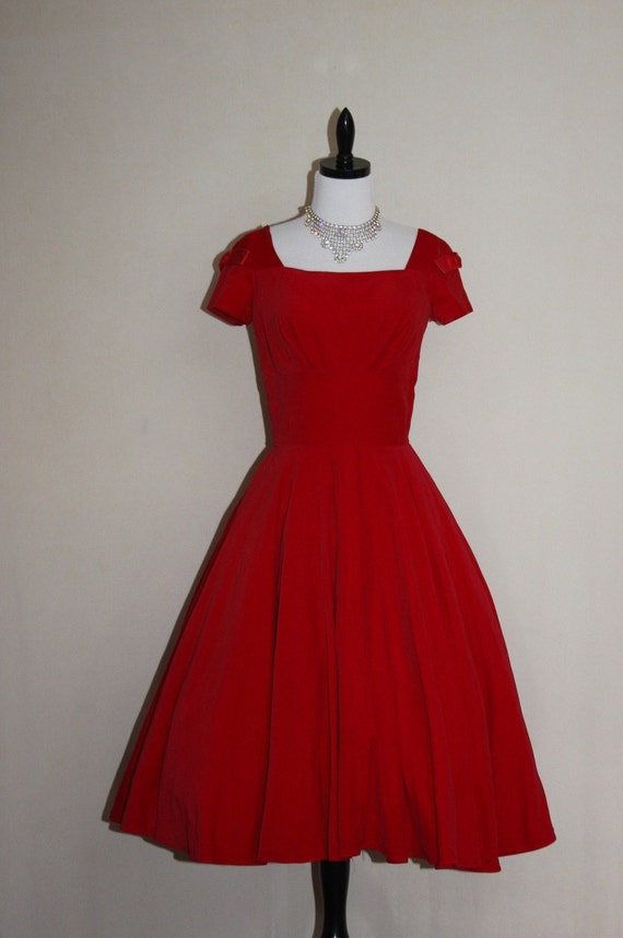 Vintage RICH RED Velvet FULL SKIRT Party FROCK