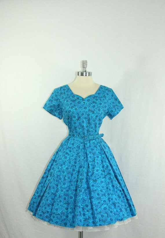 1950s Large Dress - Vintage Blue Cotton Floral Print with Rhinestones - Full Skirt Garden Party Frock