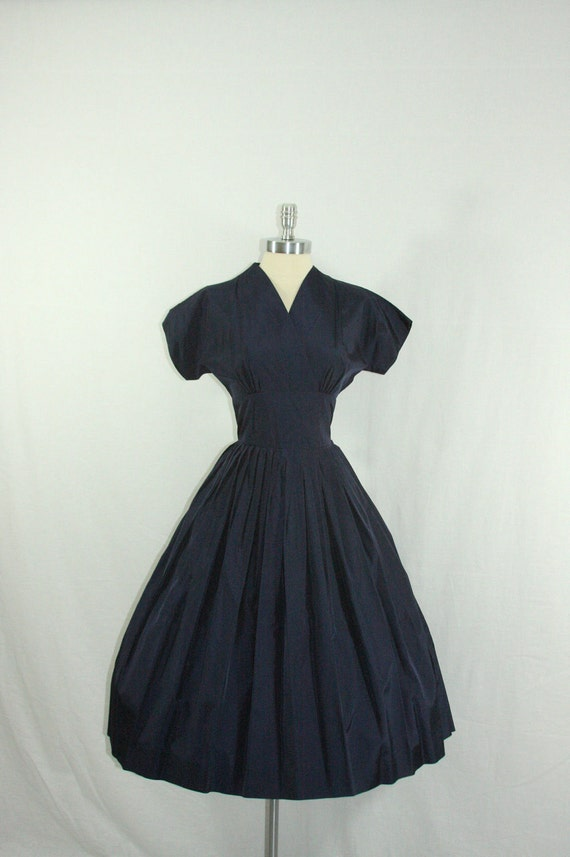 1950s Dress - Crisp Navy Blue Taffeta V Neck Full Skirt Cocktail Party Frock