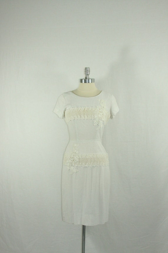 1960s Short Wedding Dress - Vintage White Nubby Linen with Floral Appliques Wiggle Frock