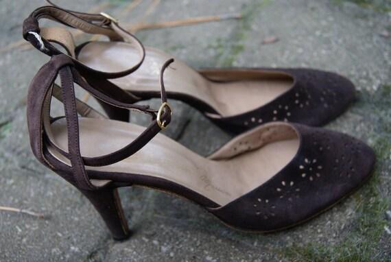 Vintage Brown Suede Cut out Ankle Strap Heels circa 50s or 60s 7N