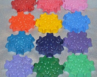 Frozen Snowflake Recycled Crayons, Total of 12 Crayons.  Boy or Girl Kids Unique Party Favors, Crayons.