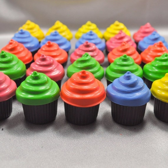 Cupcake Party Favors, Recycled Crayons Cupcake Shaped - Set of 25.  Boy or Girl Kids Unique Party Favors, Crayons.
