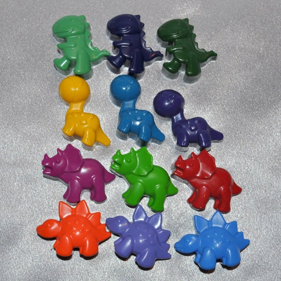 Dinosaur Crayons, Dinosaur Party Favors, Recycled Crayons Dinosaur Shaped Total of 12 Crayons.  Boy or Girl Kids Unique Party Favors
