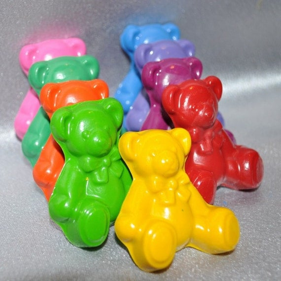 Teddy Bear Shaped Recycled Crayons, Total of 9.  Boy or Girl Kids Unique Party Favors, Crayons.
