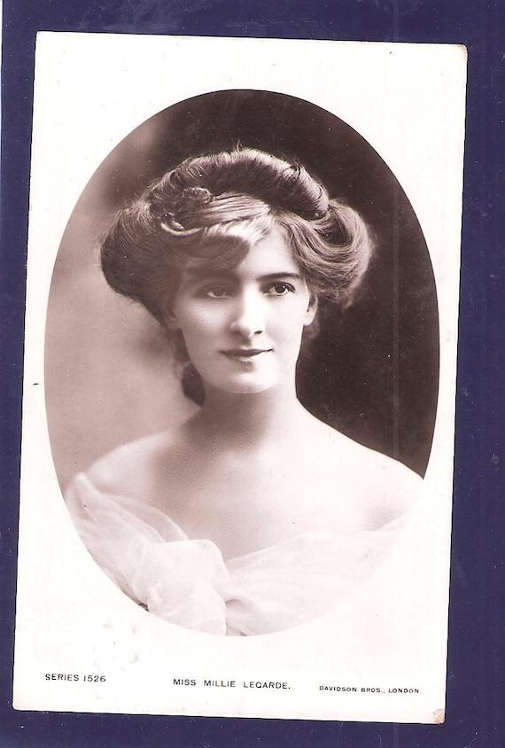 Vintage POSTCARD Real Photo of British Edwardian Stage Star Actress Miss Millie Legarde