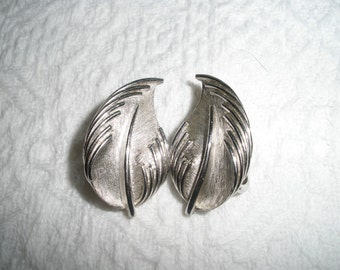Vintage Earrings Clip On Trifari Silvertone Leaf Signed Costume Jewelry