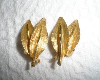 Vintage Earrings BSK Clip On Brushed Gold Tone Leaf Leaves Signed Costume Jewelry