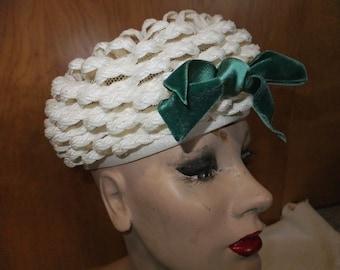 Vintage Hat Straw Pillbox Gladys & Belle Jr. White with Green Bow Designer Label Retro Formalwear