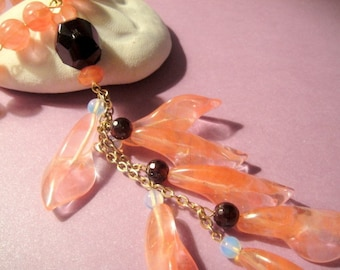 For the Love of Flower Power                 (Tulip Bead Necklace)