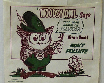 Woodsy owl paper litter bag, give a hoot don't pollute, forestry service environmental campaign, car trash bag, collectible paper, auto