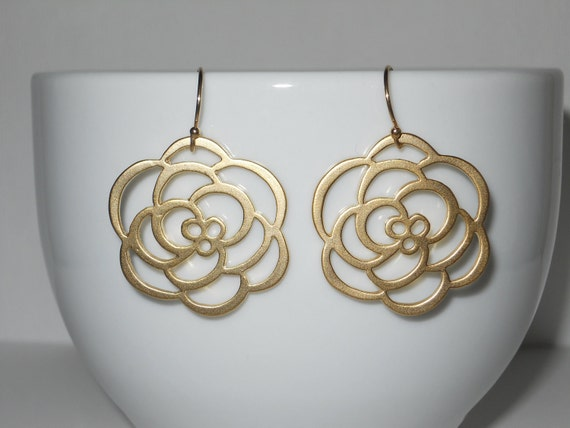 Rose Earrings in Gold