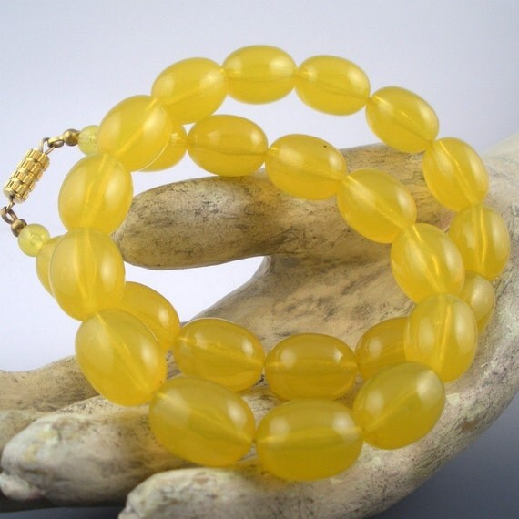RESERVED Bakelite Lucite  Resin Necklace Beads with Uranium Yellow Glow