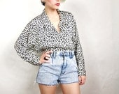 80s Black and White Pebble Batwing Blouse (S/M)