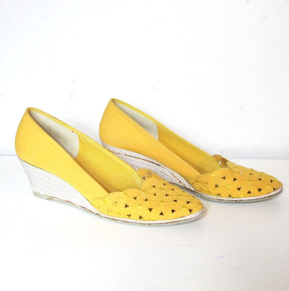 Daisy Yellow Cut out Espadrille Wedges (8 AA)