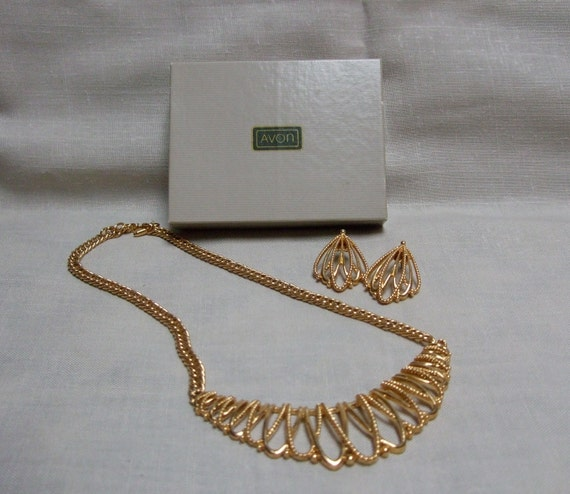 Avon Gold Necklace Earring Set Collar Breast Piece
