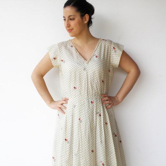 Vintage 1960s Cream Spring Day Dress