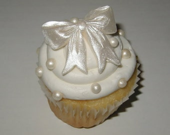 Edible Bow Cupcake Toppers, fondant cupcake topper, cupcake decoration, cake decoration, wedding cupcakes, baby girl cupcakes
