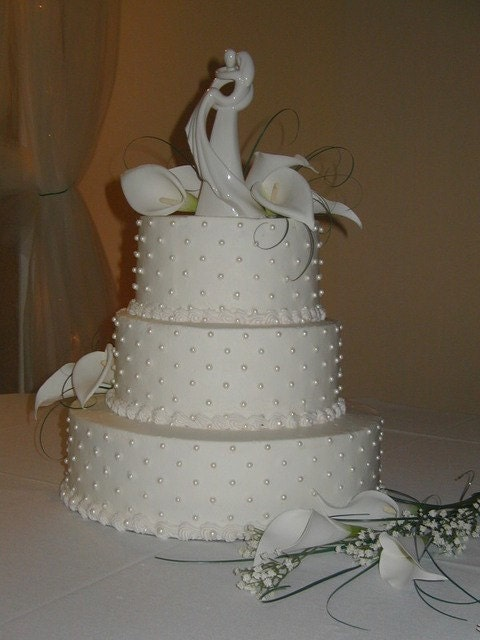 Cake Decor Pearls : Fondant Edible Pearls wedding cake decoration by TWOSWEETCAKES
