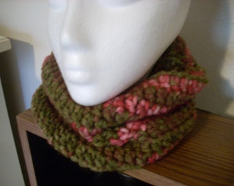 crocheted cowl-rosewood