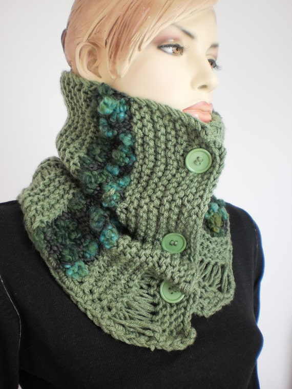 SALE Hand Knitted Cowl Scarf - Capelet- Neck Warmer - Green Scarf - Fall Fashion