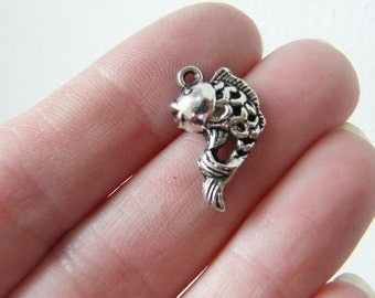 10 Fish charms antique silver tone FF29