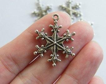 5 Snowflake pendants antique silver tone SF13