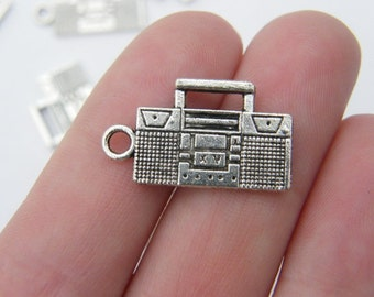 6 Radio charms antique silver tone MN60
