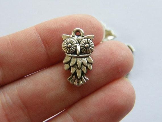 8 Owl charms antique silver tone O6