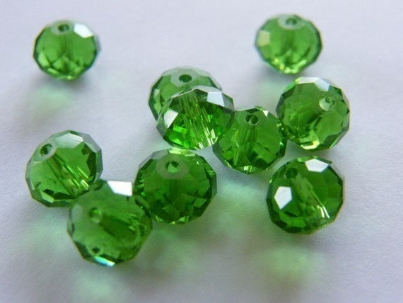 15 Beads - Christmas green 8 x 6mm faceted crystal glass