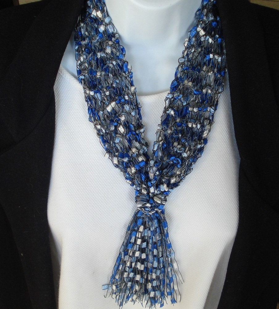 Fashion Hand Knit Necklace Scarf In Trellis Type Ladder Yarn