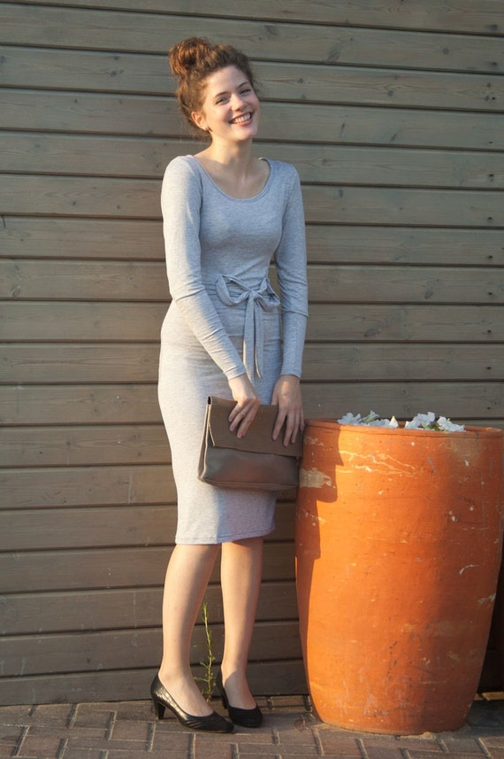 Feminine, versatile dress in grey size m/xl