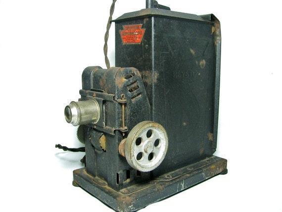 1920 Keystone MOVIEGRAPH Hand-Crank 35mm MOVIE PROJECTOR  -  Model 575