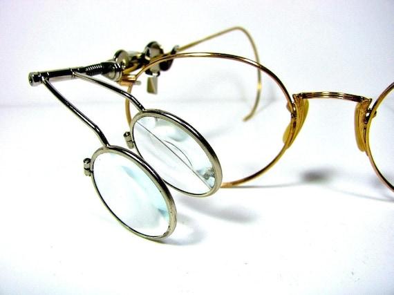 magnifying glass eyeglass loupe