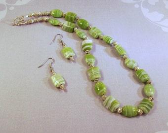 Handmade  Green  Swirled  Necklace /Earrings
