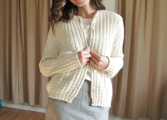 Vintage 1950's Creamy Cable Knit Cardiagn