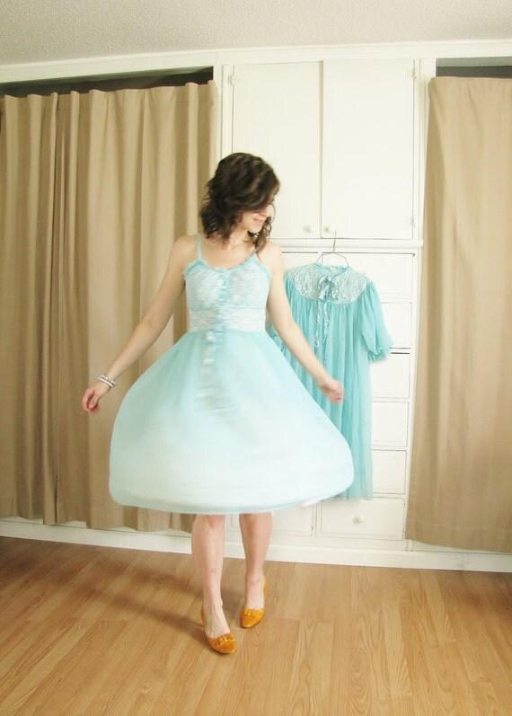 Vintage 1950's Robin's Egg Blue Full Skirted Night Dress and Peignoir 34 Bust