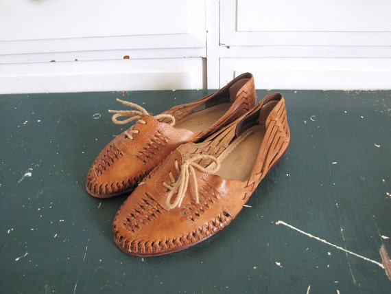 Vintage 1980's Tan Woven Leather Flats / Lace Up Oxfords / Size 6  6 1/2 6.5 Wide