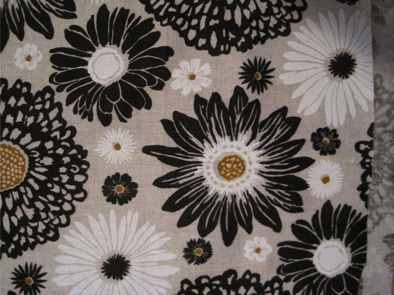 Vintage 60s Mid Century Mod Daisy Decorator Linen Fabric