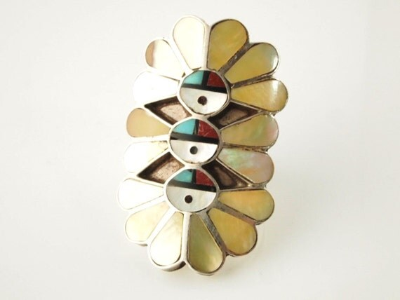 Zuni Mother-of-Pearl Ring