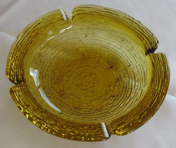 Large 1960's amber glass round ashtray heavy