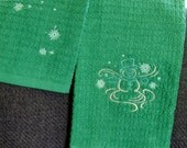 Embroidered hand towel and washcloth set - green with snowman