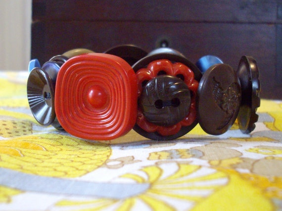 Vintage Button Bracelet in Red, Brown, and Blue