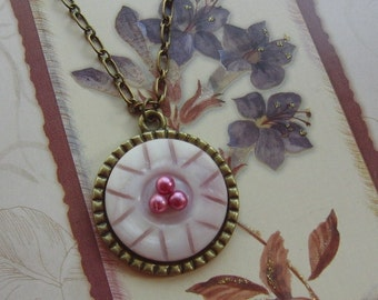 Pink Delight Pendant Necklace