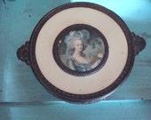 vintage jewelry box,  trinket box Marie Antoinette with glass insert, Romantic thebestvintage,ebvteam
